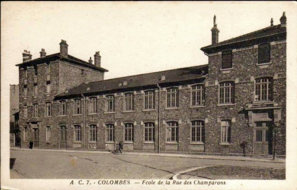 COLOMBES- Carte postale du Groupe scolaire Victor Hugo.