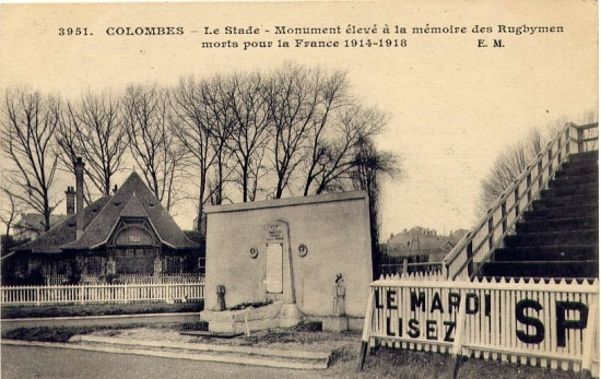 Carte postale Colombes- Monument aux rugbymen morts pour la france
